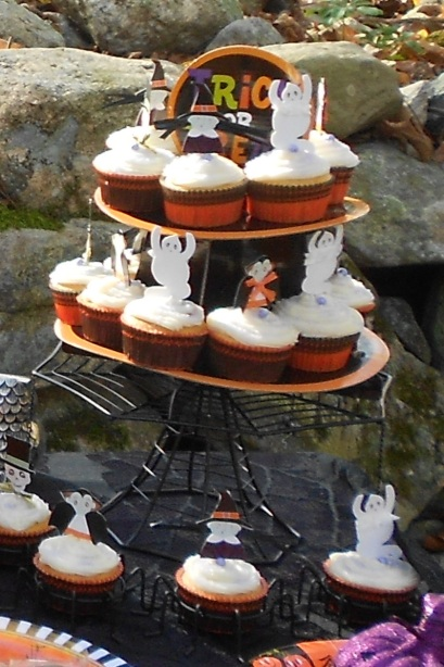 Inspiration Senses - Outdoor Halloween Celebration - Cupcakes