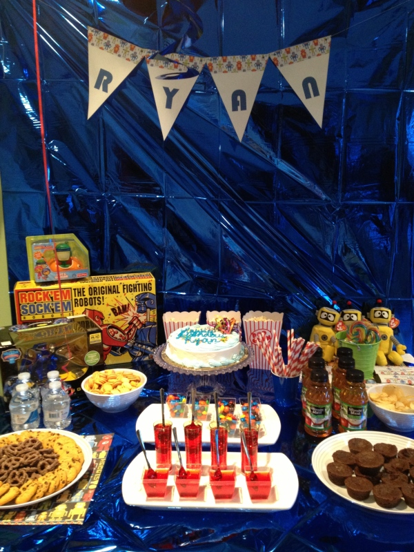 Inspiration Senses - Robot Birthday -  table