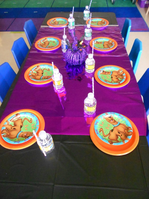 Scooby Doo Halloween Party - Table Settings