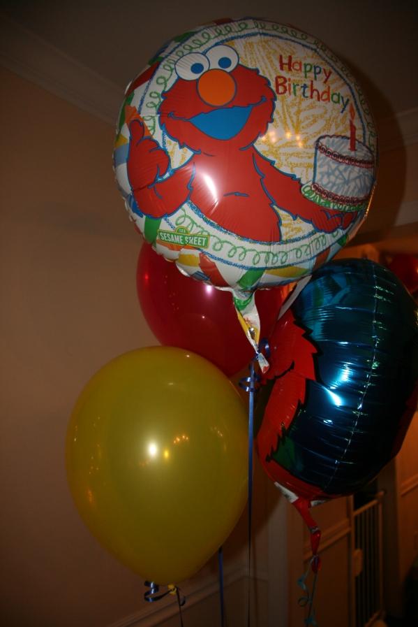 Inspiration Senses - Sesame Street Elmo Birthday balloons
